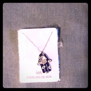 Jewelry - Never worn hamsa silver necklace 🧿